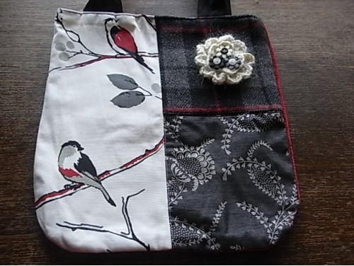 Patchwork fabric shopping bag with detachable corsage